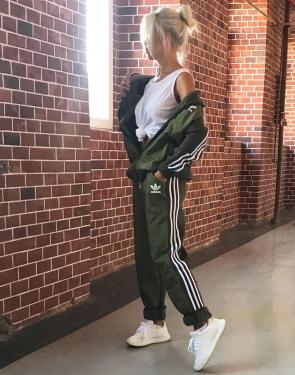 """Утепленный спортивный костюм женский """"Adidas"""" / Хаки"""