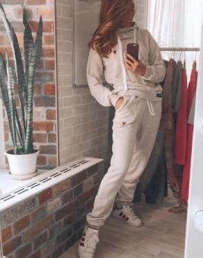 Спортивный костюм с объемным капюшоном / Ванильный