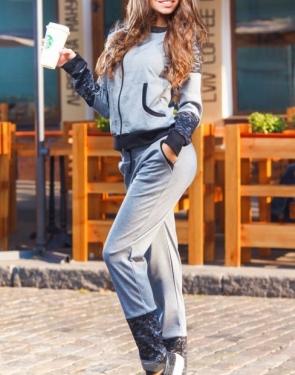 Спортивный костюм с кружевом / Серый