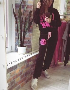 """Велюровый костюм """"Love Pink """" Черный с капюшоном"""