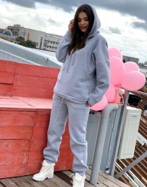 Женский утепленный спортивный костюм Oversize / Серый