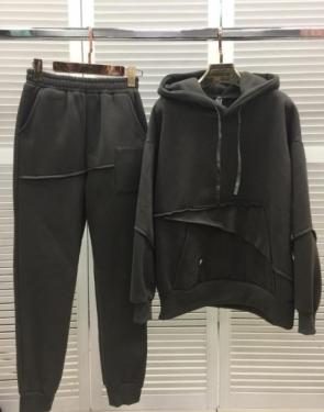 Женский утепленный спортивный костюм с карманом / Серый