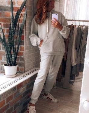 Спортивный костюм женский c капюшоном / Светло-серый