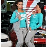 Стильные женские спортивные костюмы-тройки от Найк и Адидас