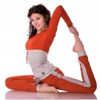 женский спортивный костюм для эффективных занятий йогой