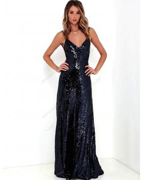 Чёрное вечернее платье в пол с пайетками