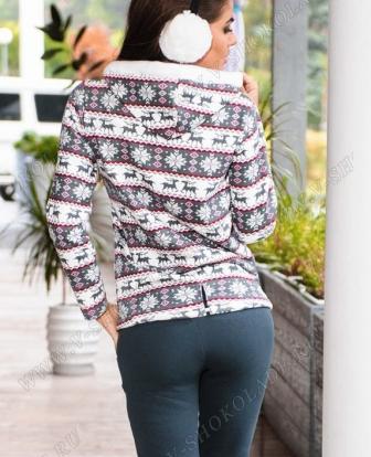 Утепленная женская кофта на молнии c оленями